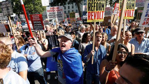 Multitudinaria manifestación contra la disolución del Parlamento por el Brexit