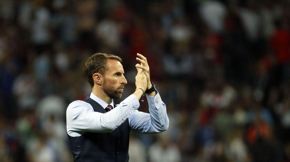 Foto: Gareth Southgate anima a su equipo tras la eliminación en semifinales del Mundial de Rusia 2018 | EFE