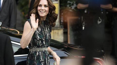 9 looks en 5 días: analizamos la maleta de Kate Middleton en Polonia y Alemania