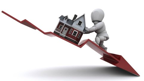Los pisos usados se han abaratado más de 100.000 euros en una década