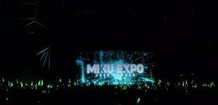 Post de Tres mil barceloneses pagan 56 euros por ver el holograma de Hatsune Miku