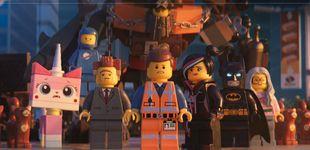 Post de 'La LEGO película 2': pisar descalzo una pieza de LEGO duele más que un parto