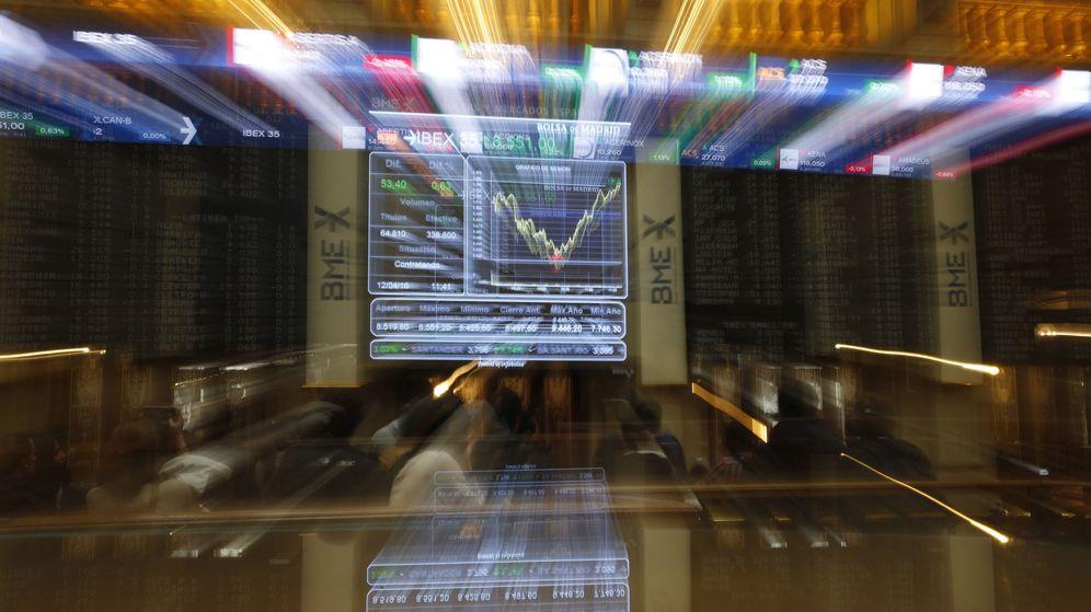 Foto: Panel informativo de la Bolsa de España. (EFE)