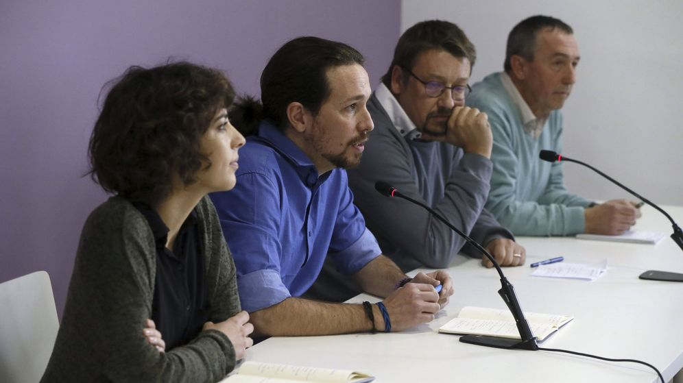 Foto: El líder de Podemos, Pablo Iglesias, junto a los portavoces de En Marea (Alexandra Fernández), En Comú Podem (Xavier Domènech) y Compromís (Joan Baldoví). (EFE)