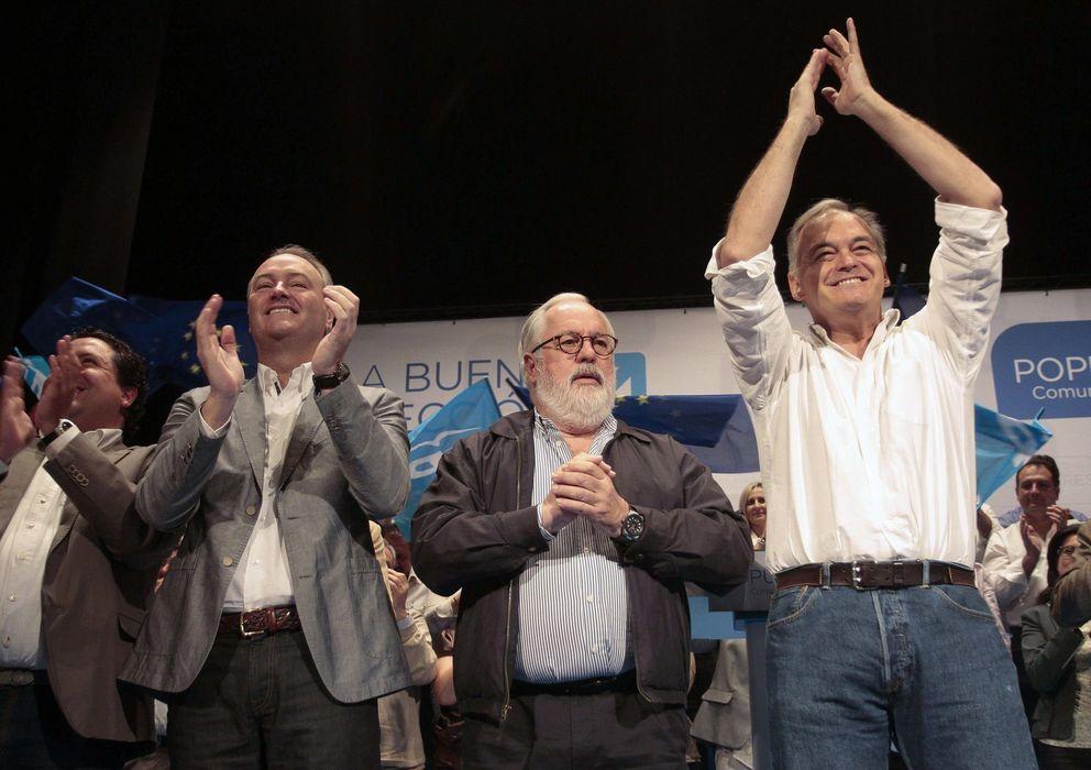 Foto: Fabra, Cañete y González Pons, en Castellón. (Efe)