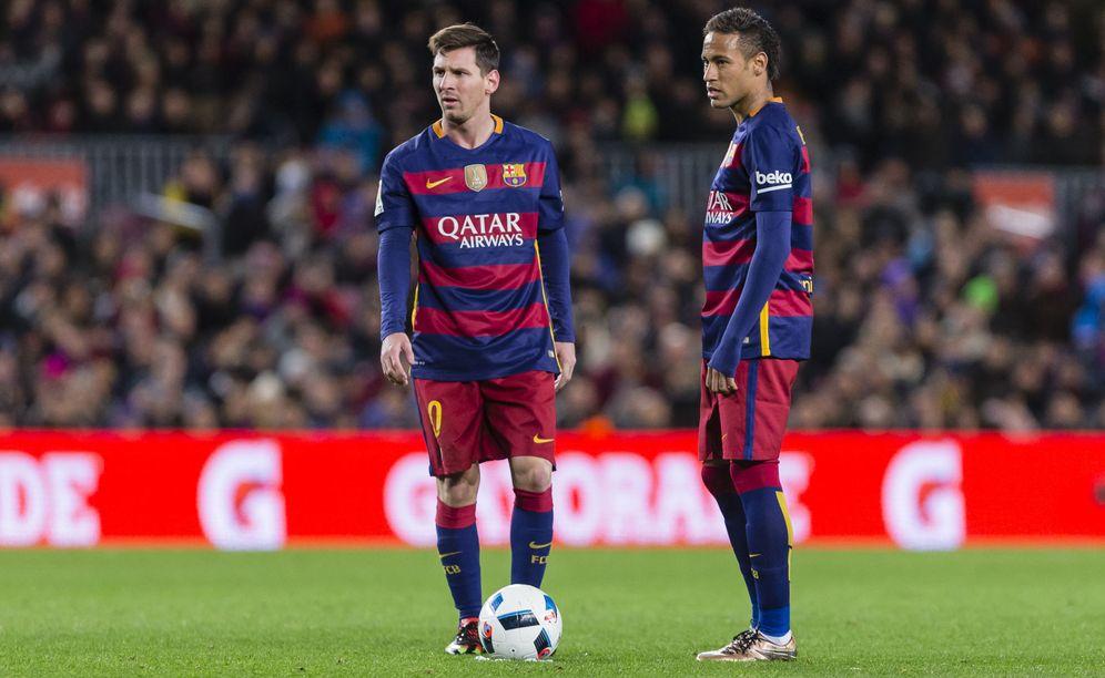 Foto: Messi y Neymar durante un partido de Liga (Cordon Press).