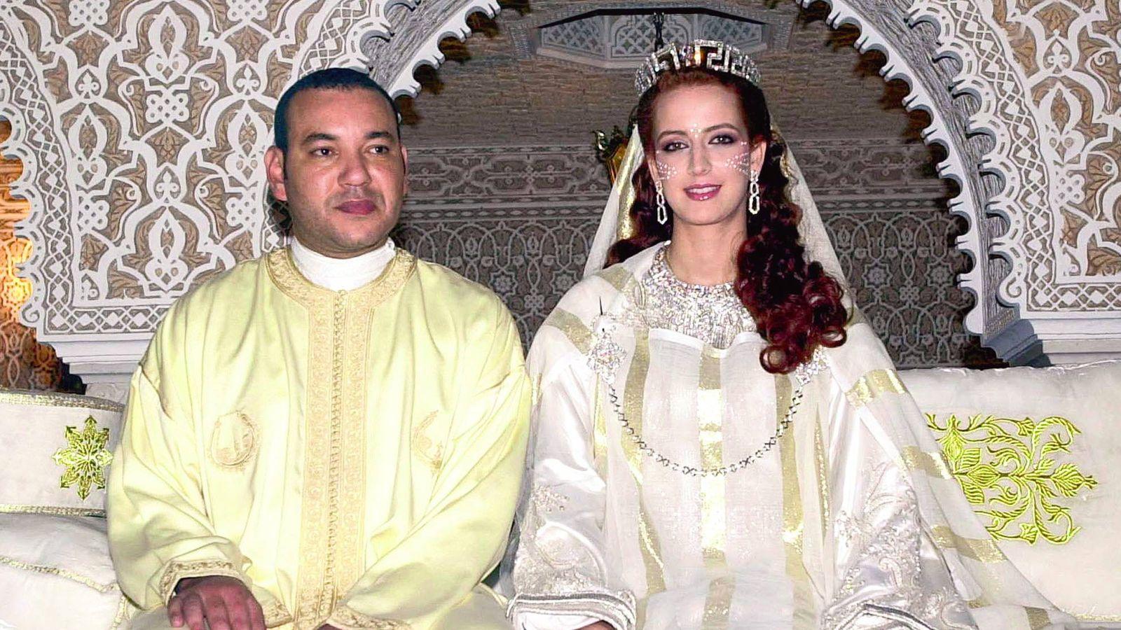 Foto: El rey Mohamed VI y Lalla Salma el día de su boda. (Gtres)