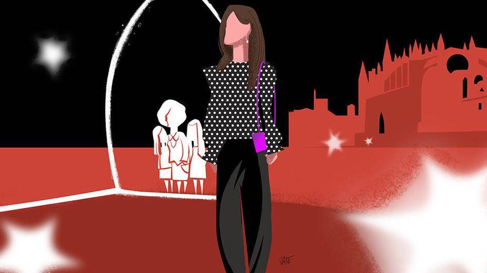 Foto: Ilustración de la reina Letizia y la reina Sofía de su desencuentro en Palma. (Vanitatis)