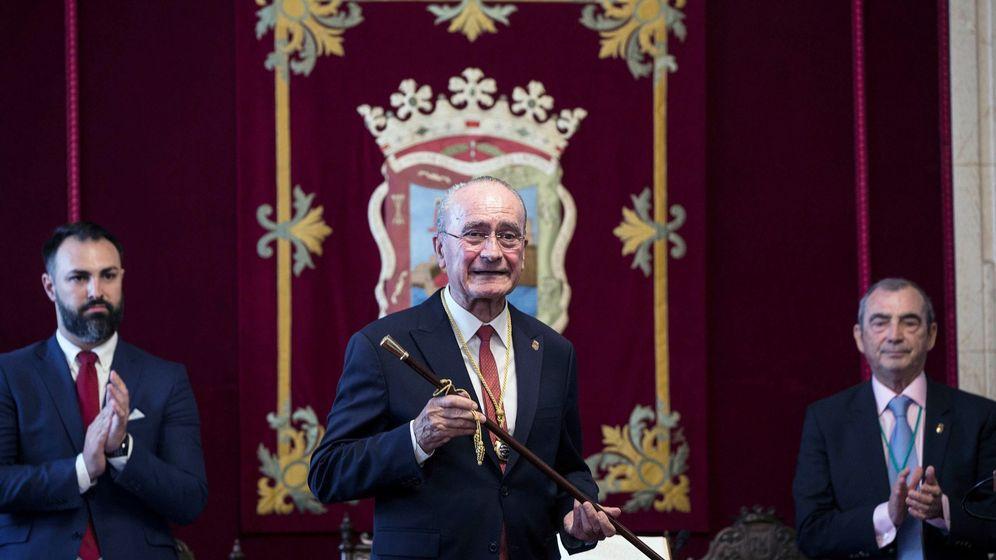 Foto: Francisco de la Torre, en el momento de ser reelegido alcalde de Málaga. (EFE)