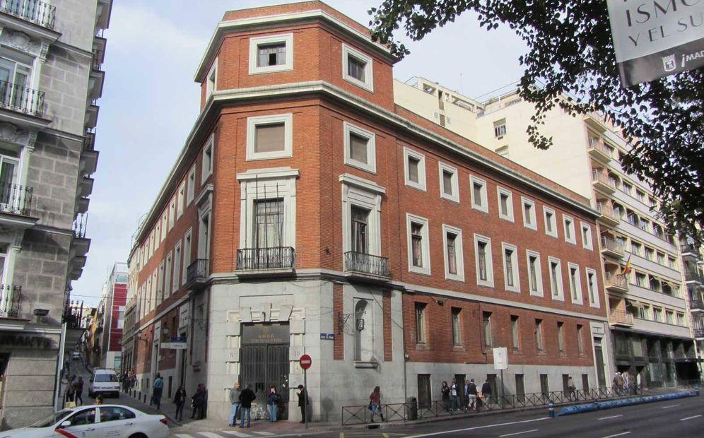 Foto: Edificio del número 30 del Paseo del Prado donde la Fundación Ambasz pretende levantar su museo.