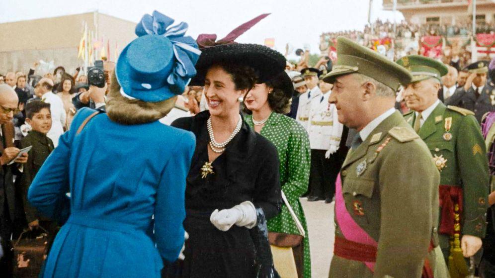 Foto: Eva Perón y Carmen Franco. (DMAX)