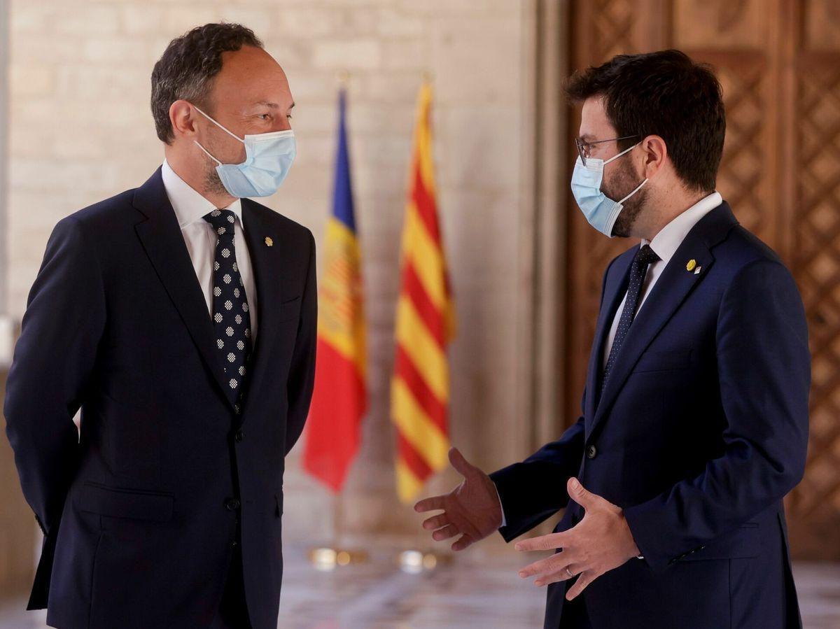 Foto: El presidente de la Generalitat, Pere Aragonès se reunió en el Palau de la Generalitat con el jefe de Gobierno de Andorra, Xavier Espot. (EFE)