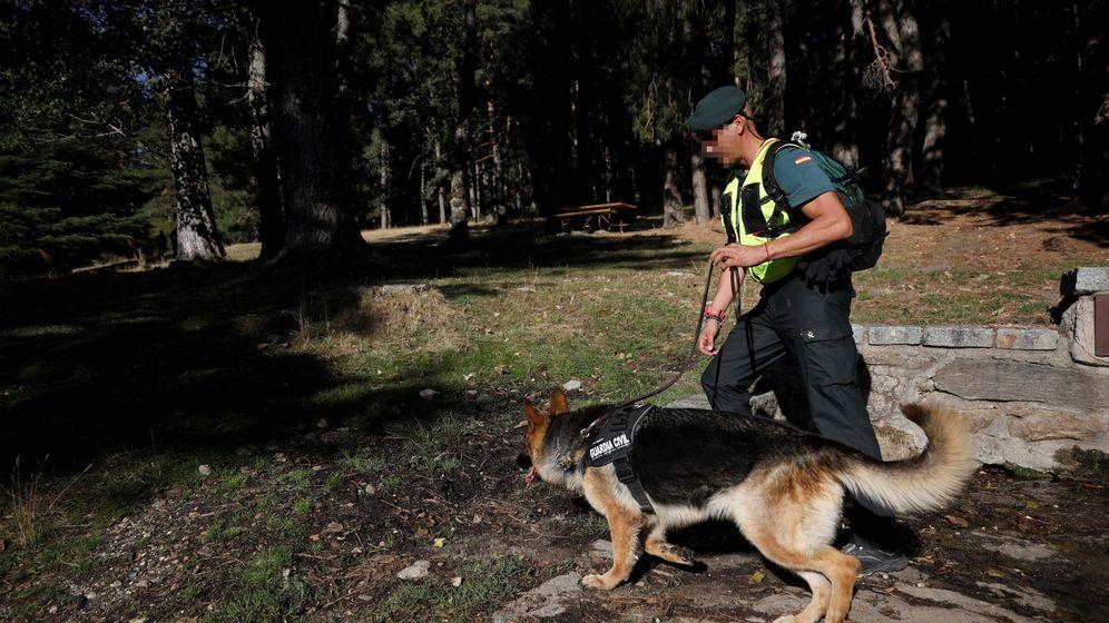 Foto: Agentes de la Guardia Civil trabajan en la búsqueda de la esquiadora Blanca Fernández Ochoa. (EFE)