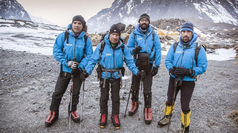 Foto: La expedición BBVA-Carlos Soria ya llegó a España (EFE).