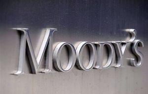 Moody's deja Rusia a un paso del 'bono basura' al bajar su calificación