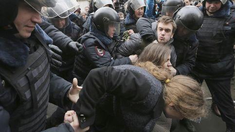 Hospitalizan a un activista de Pussy Riot con supuestos signos de envenenamiento