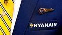 Un día con Ryanair: miserias laborales de tripulación 'low cost'