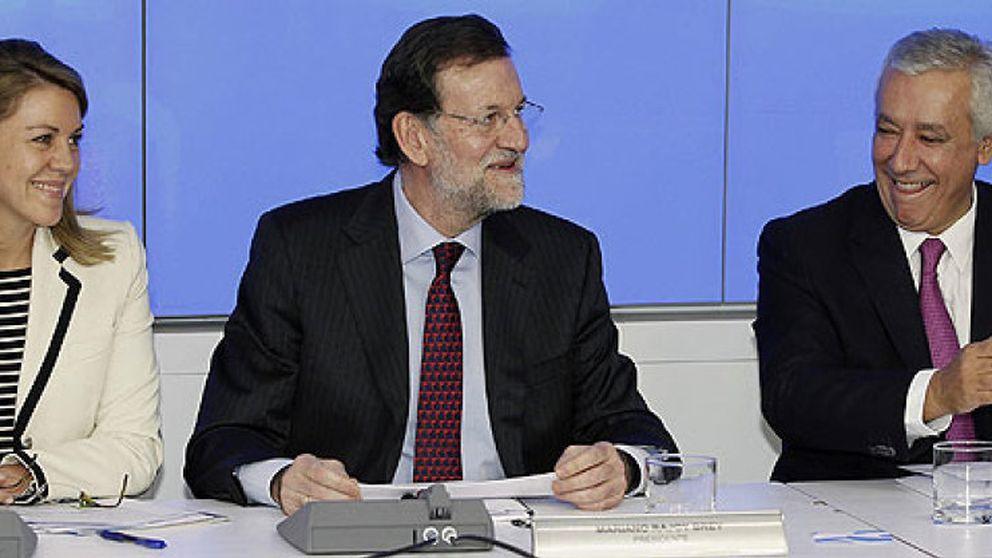 Cospedal y Arenas trasladan a Andalucía su particular campo de batalla