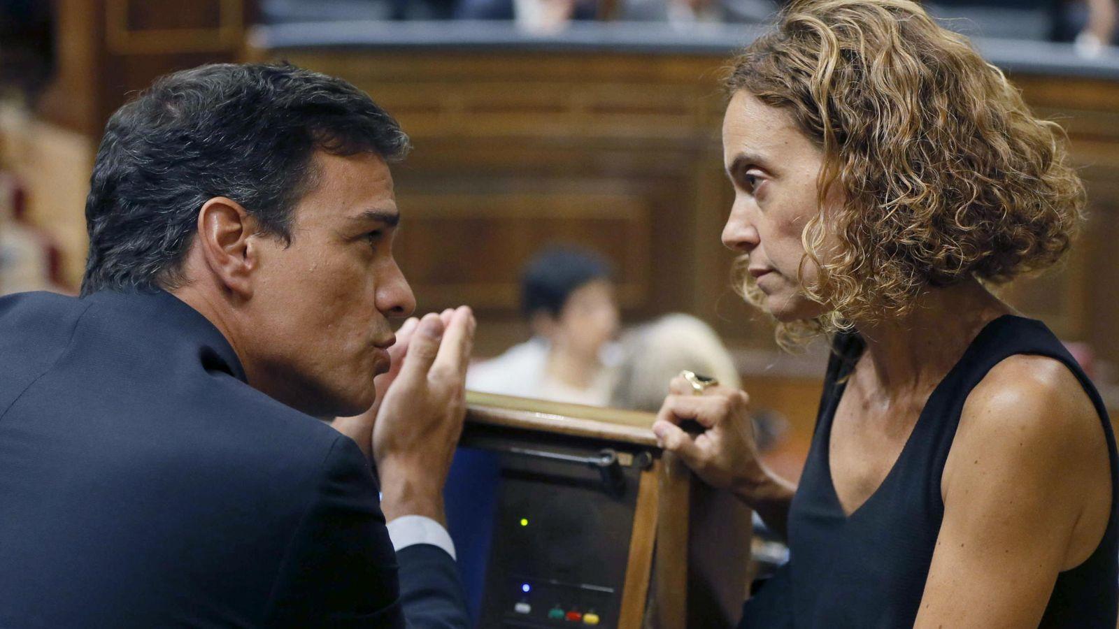 Foto: Pedro Sánchez y Meritxel Batet, durante un pleno del Congreso.