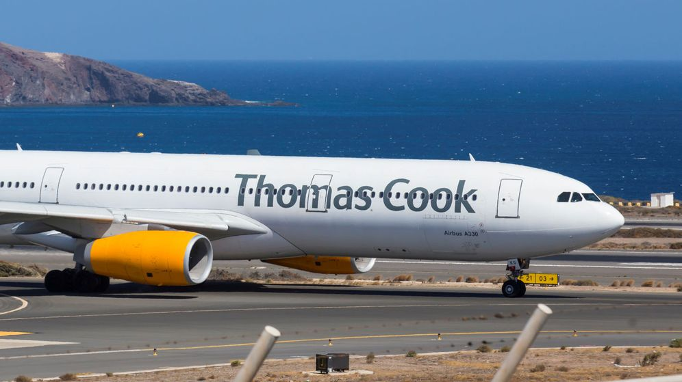 Foto: Un avión de Thomas Cook en Las Palmas de Gran Canaria. (EFE)