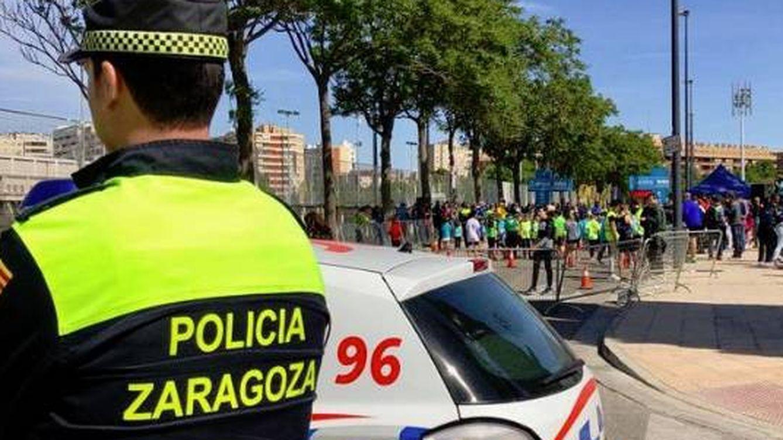 Un accidente entre un patinete eléctrico y un coche deja una herida leve en Zaragoza