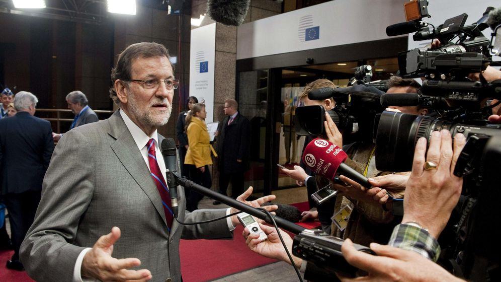Foto: El presidente del Gobierno español, Mariano Rajoy, realiza declaraciones a la prensa tras el Consejo Europeo. (Efe)