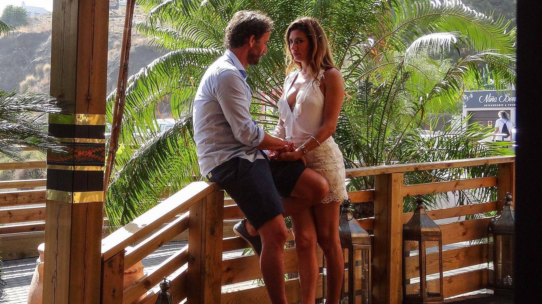 Fotos exclusivas: Los besos de Álvaro Muñoz Escassi con un bellezón desconocido