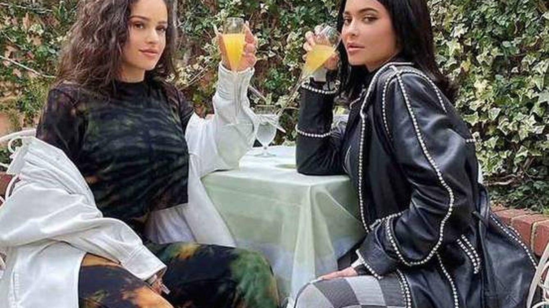 Una infidelidad, un maquillador y un chándal: las razones por las que Kylie Jenner ha roto con Rosalía