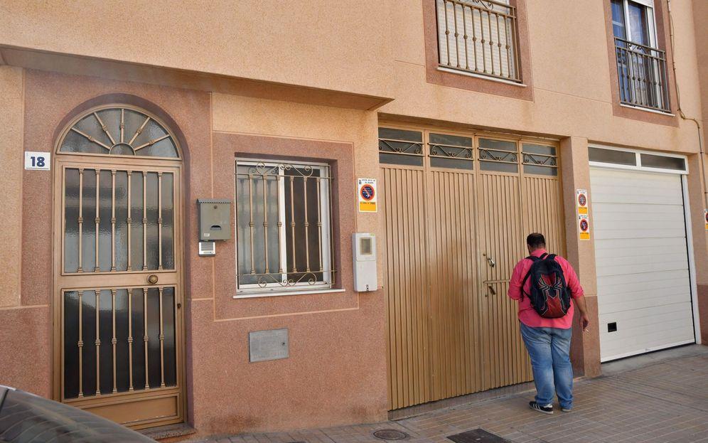 Foto: La Guardia Civil detuvo en esta barriada de Las Norias de Daza, en El Ejido (Almería), a una mujer de 38 años. (EFE)