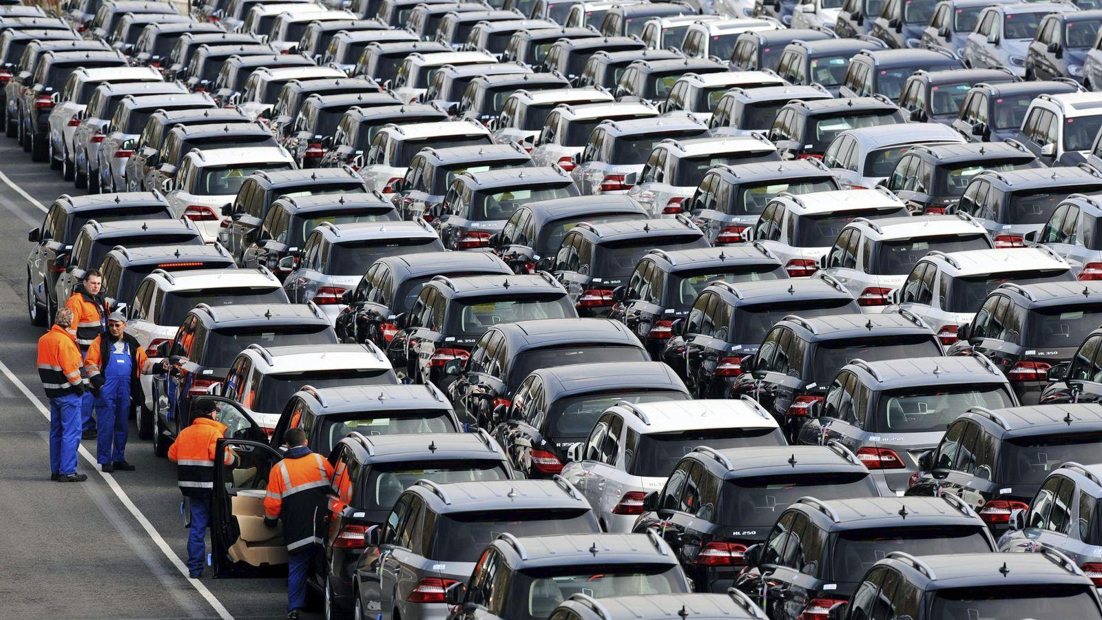 Foto: Foto de archivo de producción de vehículos listos para salir al mercado. (EFE)