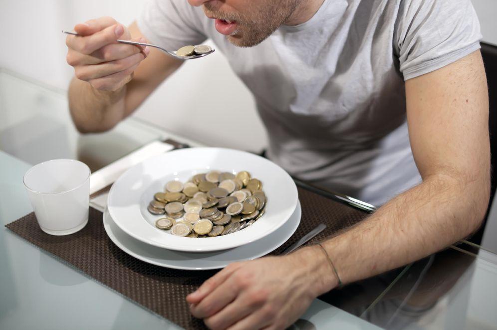 Foto: Los gurús de alimentación aplaudirían tu menú, pero con lo que inviertes solo vas a poder comer medio mes. Aprende a ahorrar. (iStock)
