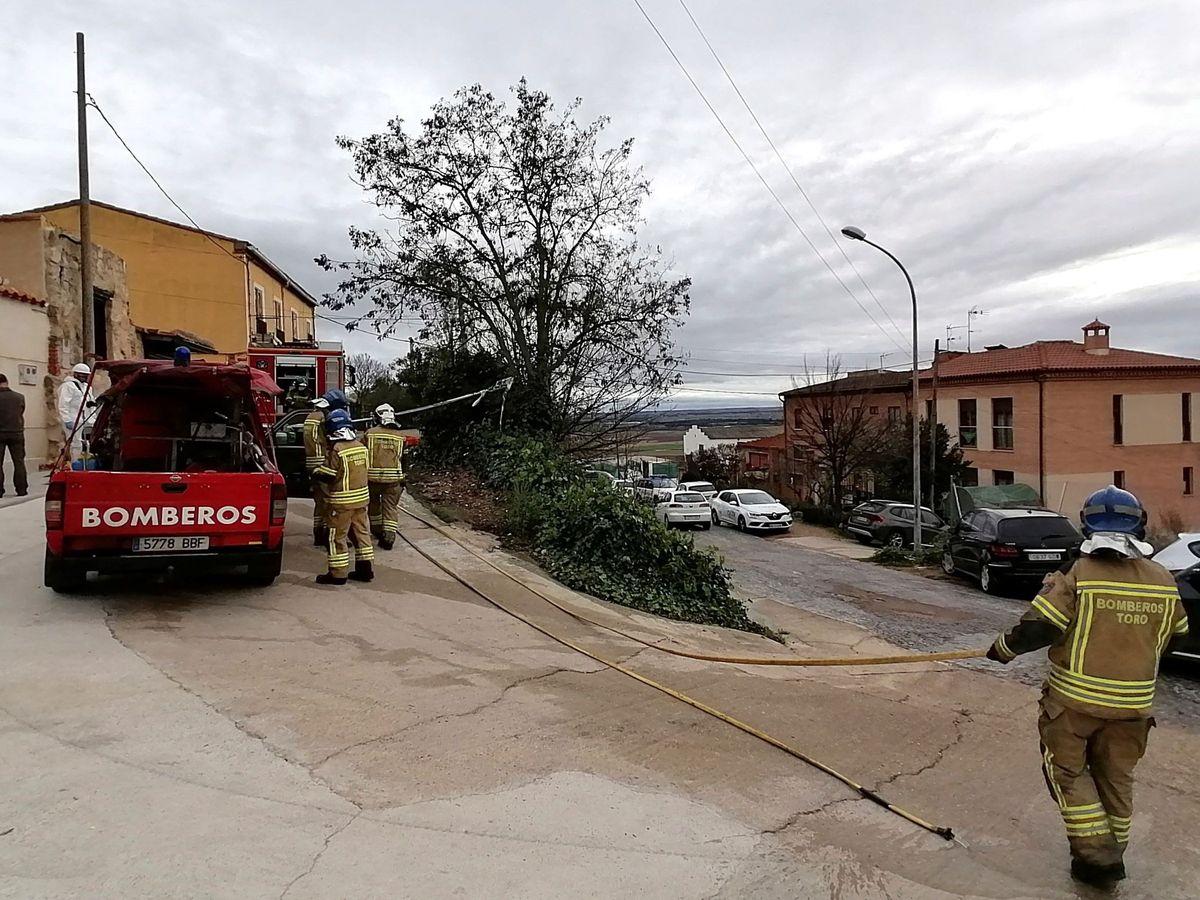 Foto: Fallece un matrimonio de jubilados al incendiarse una casa. (EFE)