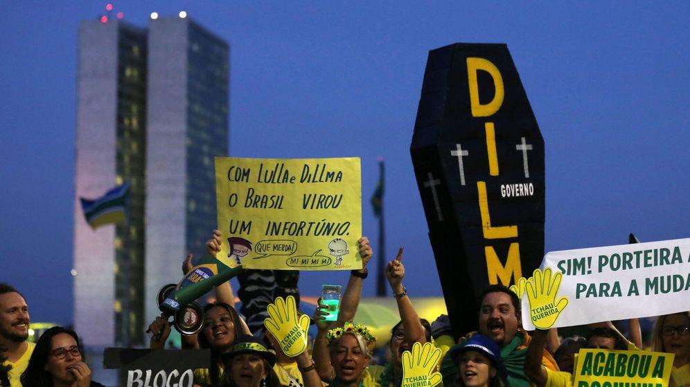 Foto: Protesta contra la presidenta de Brasil, Dilma Rousseff. (Reuters)