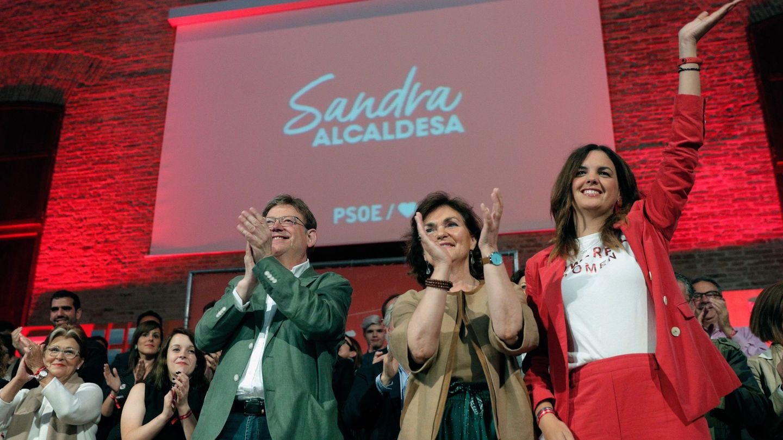 Ximo Puig, Carmen Calvo y Sandra Gómez, en el cierre de campaña de los socialistas de Valencia. (EFE)