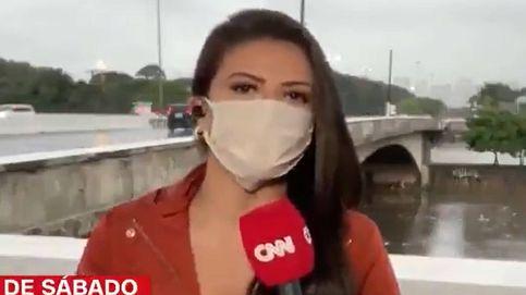 Insólito: Atracan a punta de cuchillo a una reportera de la CNN en pleno directo