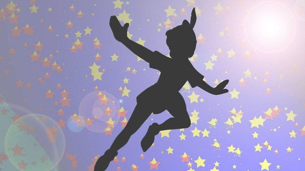 Foto: Silueta de Peter Pan. (Imagen de Lalelu2000 en Pixabay)