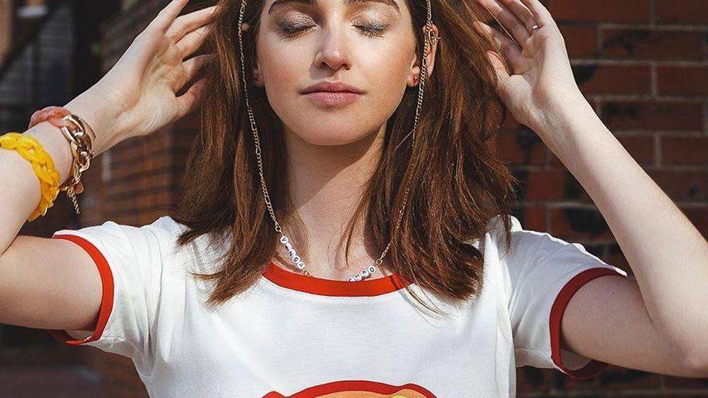 La prenda que necesitas para ser cool en la cuarentena es esta camiseta arcoíris