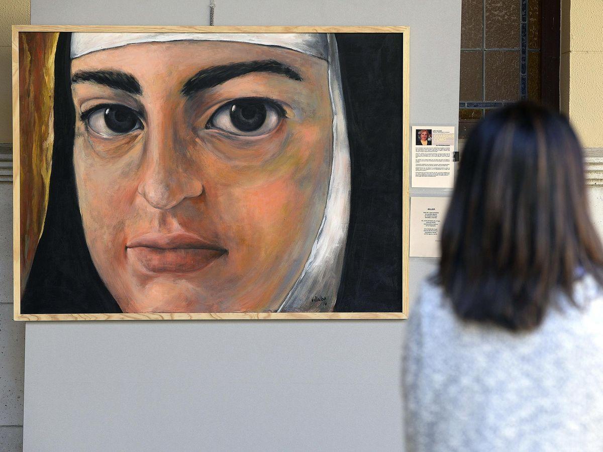 Foto: Un retrato de Santa Teresa de Jesús expuesto en una muestra en Valladolid (EFE/NACHO GALLEGO)