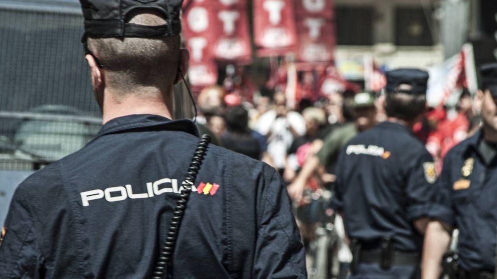 Foto: Agente de la Policía Nacional (iStock)