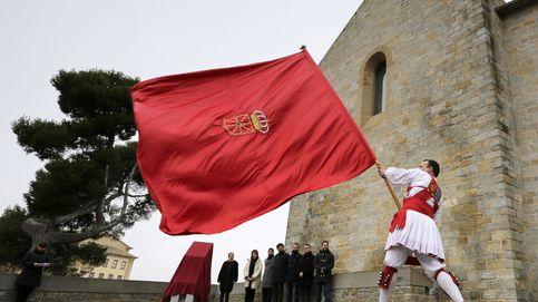 Coacciones, insultos, querellas... Navarra se divide por la marcha por su bandera