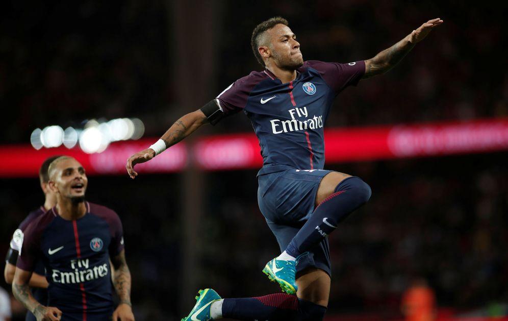 Foto: Neymar celebra un gol marcado con el París Saint Germain. (Reuters)