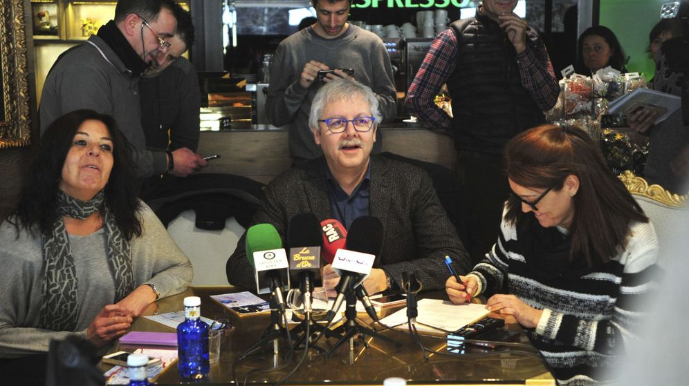 Foto: El propietario de la popular administración de lotería La Bruixa d'Or de Sort, Xavier Gabriel.
