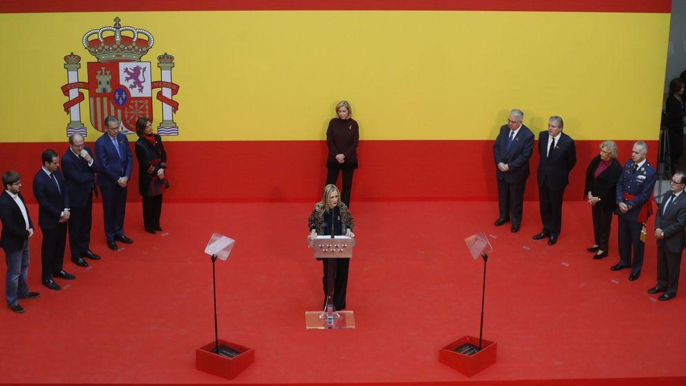 Cifuentes compara a Puigdemont con Tejero y la oposición la tilda de frentista