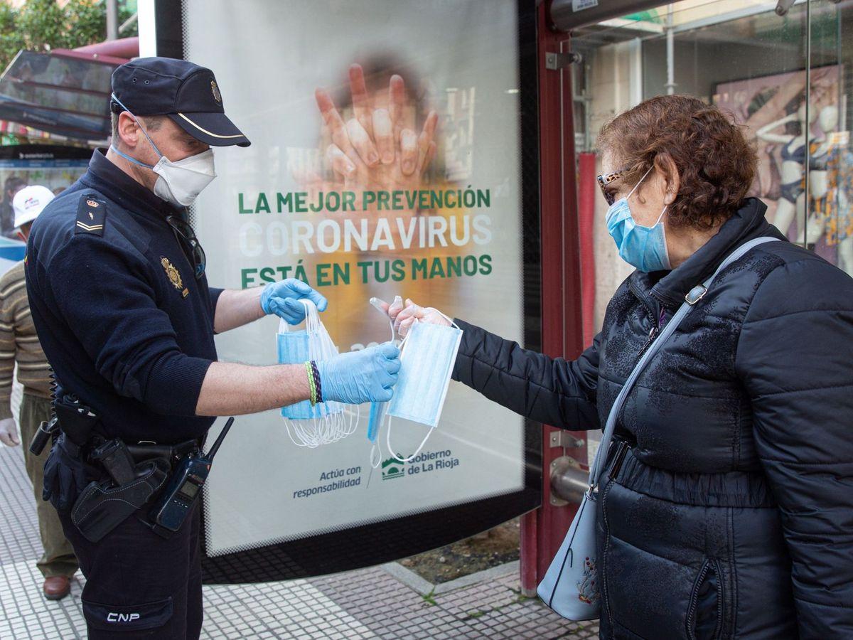 Foto: Parada de autobús en Logroño. (EFE)