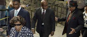 El fiscal cree que Michael Jackson murió por confiar en su médico
