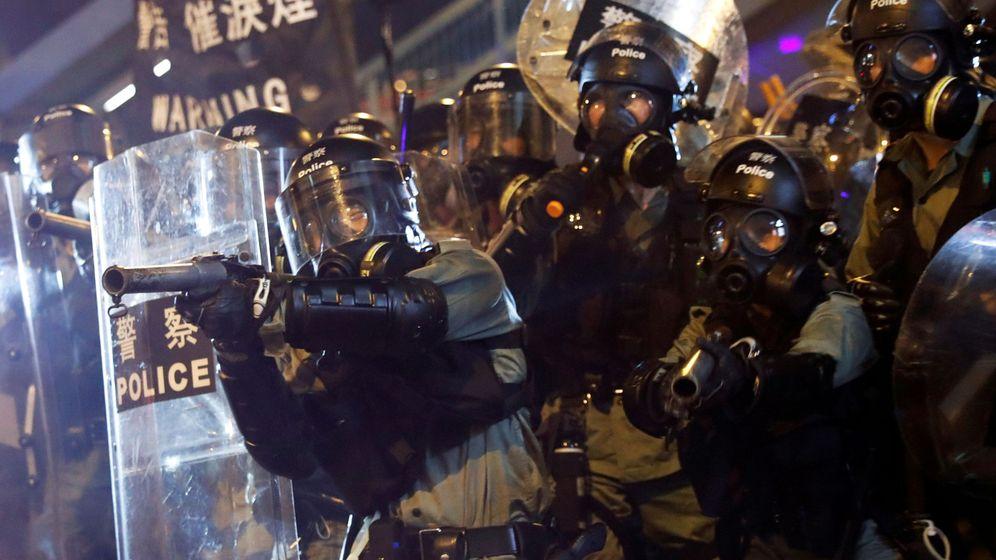 Foto: Policía durante las protestas en Hong Kong. (Reuters)