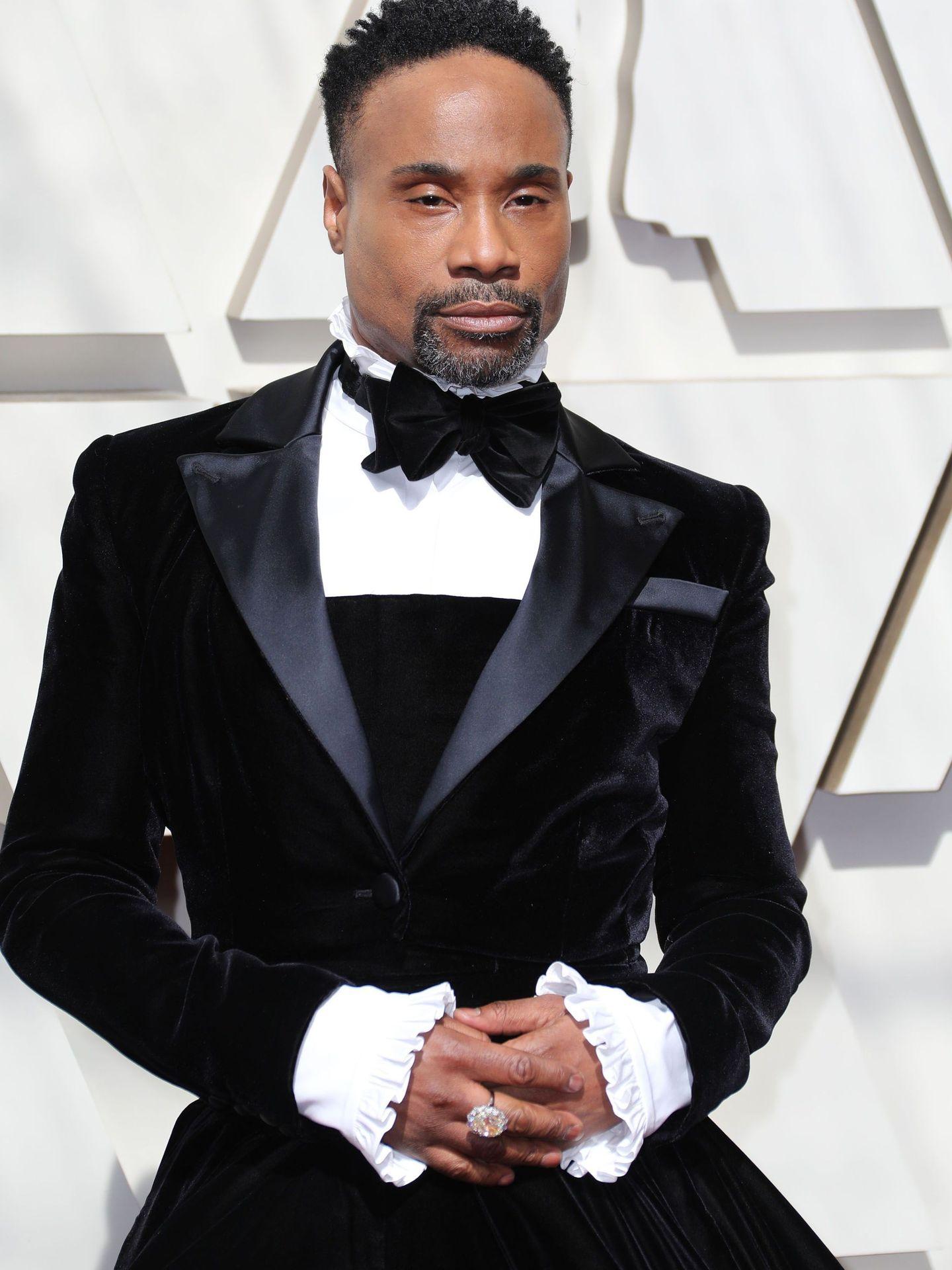 El artista estadounidense posa en la alfombra roja de los Premios Oscar. (Reuters)
