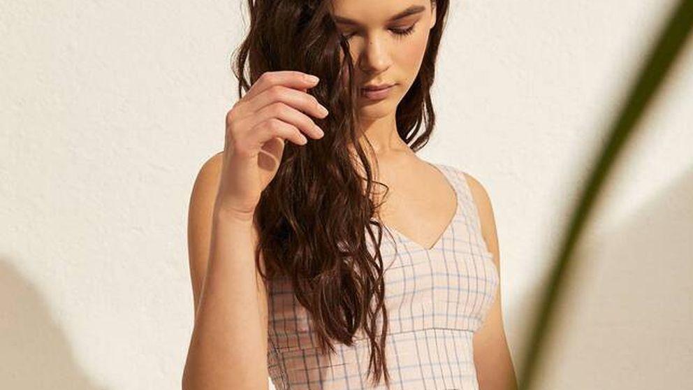 ¿Cuadros en verano? Solo si son como los de Stradivarius en este vestido, falda y top