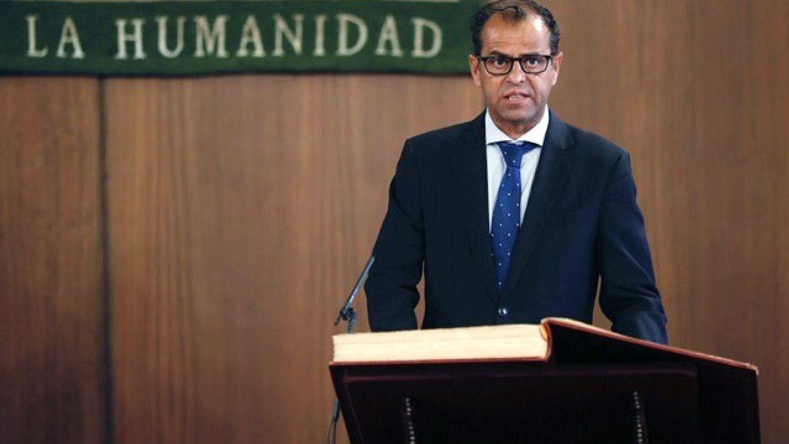 Foto: Juande Mellado, nuevo director general de la RTVA, en su toma de posesión. (EFE)