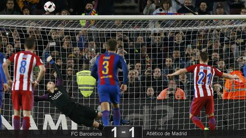 El Barcelona es finalista de Copa sin gloria y achicando balones